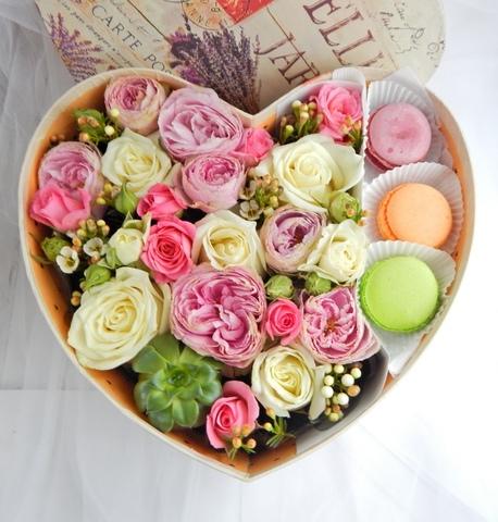 Цветы и macaron ( 3 шт.) #1482