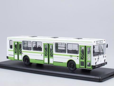 LIAZ-5256 Urban green-white Start Scale Models (SSM) 1:43