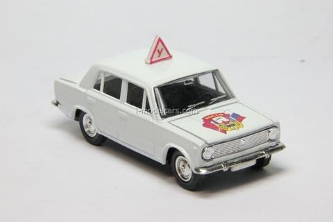 VAZ-2101 Lada Driving school ROSTO Agat Mossar Tantal 1:43