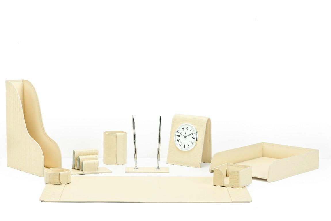 Настольный набор из кожи Treccia/слоновая кость 9 предметов с часами