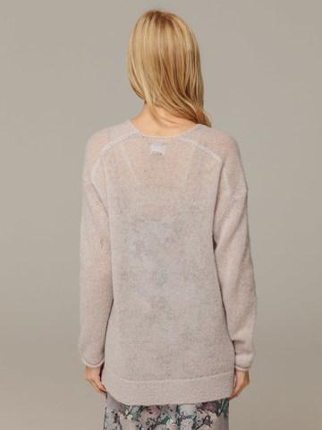 Женский серый джемпер с V-образным вырезом 100% мохер - фото 2