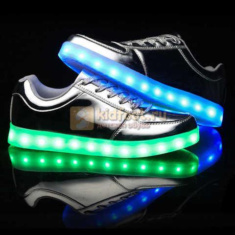 Светящиеся кроссовки с USB зарядкой Fashion (Фэшн) на шнурках, цвет серебряный, светится вся подошва. Изображение 5 из 6.