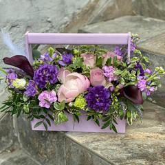 Цветочная композиция в ящике