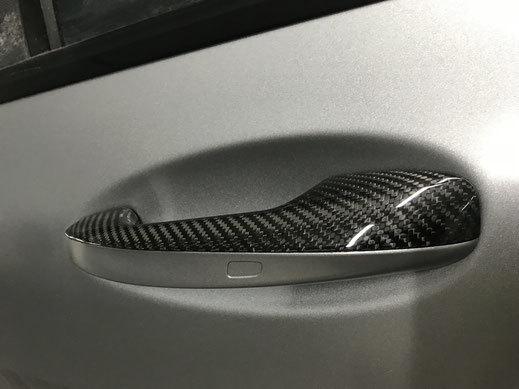 Карбоновые вставки в дверные ручки для Mercedes AMG-GTS