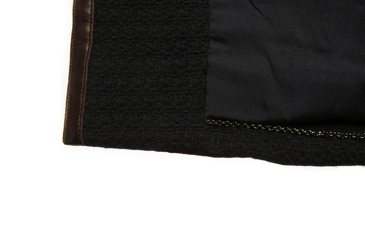 Стильный укороченный жакет Chanel из темно-синего твида с отделкой из коричневой кожи, 42 размер