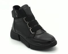 Черные кожаные ботинки на массивной подошве