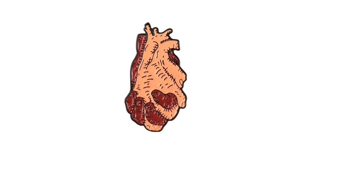Брошь сердце 2 руки