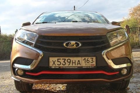 Накладка на передний бампер Lada Xray