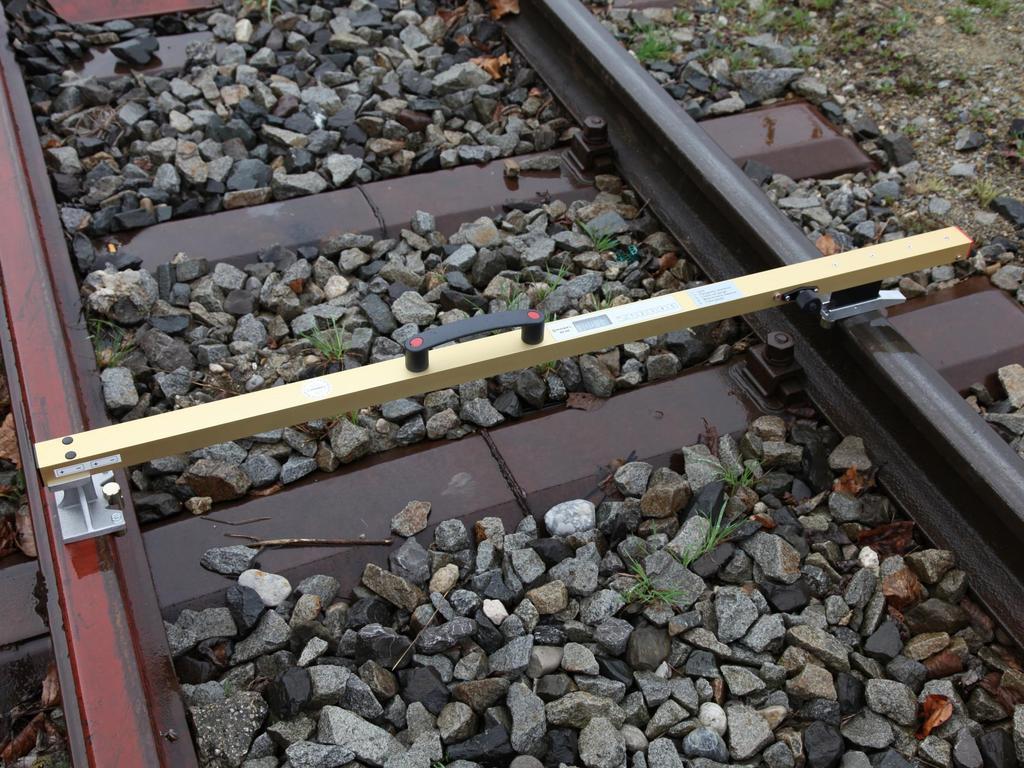 Цифровой шаблон для контроля ширины колеи и возвышения на стрелочных переводах Robel 83.50