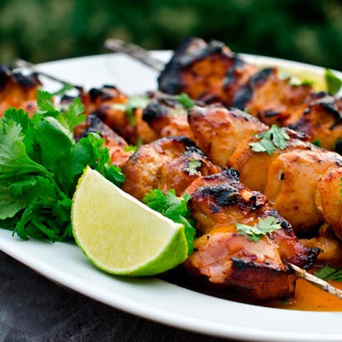 https://static-ru.insales.ru/images/products/1/1638/36374118/grilled_chicken_with_lime_chili_sauce.jpg