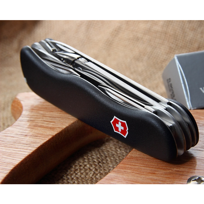 Складной нож Victorinox Atlas Black, 111 мм., 16 функций (0.9033.3) - Wenger-Victorinox.Ru