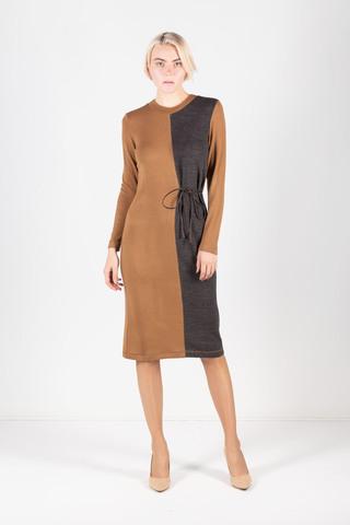 Фото двухцветное платье миди полуприлегающего силуэта - Платье З310-486 (1)