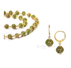 Комплект серьги и бусы зеленого цвета из муранского стекл