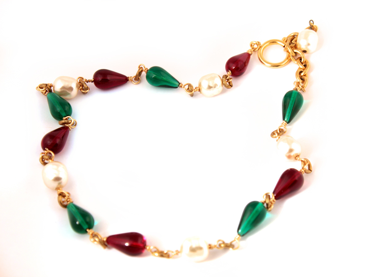 Elegant necklace with red and green Gripoix glass and white baroque pearls
