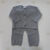 Комплект (кофточка + штанишки) жемчужной вязки из шерсти мериноса цв. серый