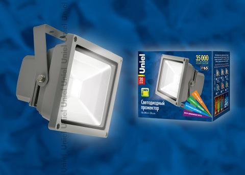 ULF-S01-20W/DW IP65 110-240В Прожектор светодиодный. Корпус серый. Цвет свечения дневной. Степень защиты IP65. Картонная упаковка