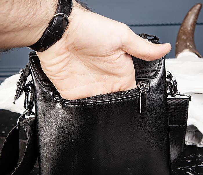 BAG560-1-2 Небольшая мужская сумка с ремнем на плечо фото 07