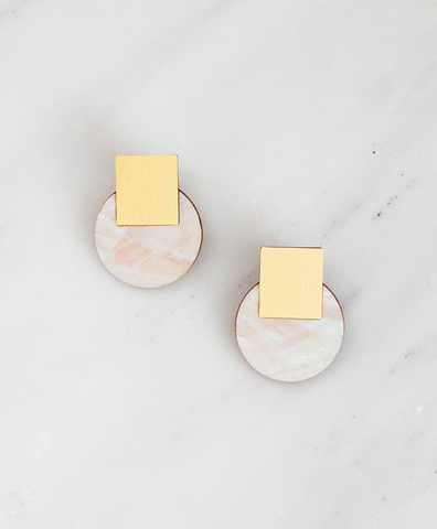 Серьги Sol Studs Mother of Pearl