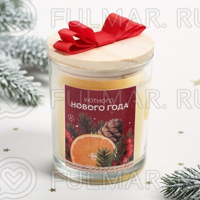 Подарочная новогодняя Свеча в стеклянном стакане с деревянной крышкой в коробочке, цвет: жёлтый, аромат: цветы фото