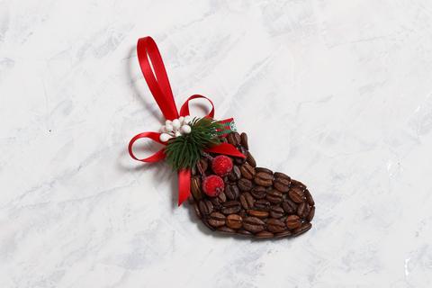 Новогодняя игрушка - сувенир. Носок из кофейных зёрен хэнд мэйд