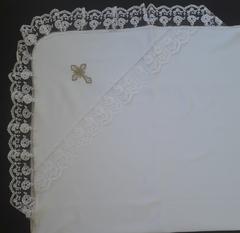 Крестильная пеленка с кружевом