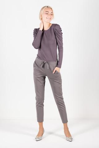 Фото серые укороченные брюки с утягивающей кулисой на талии - Брюки А495-717 (1)