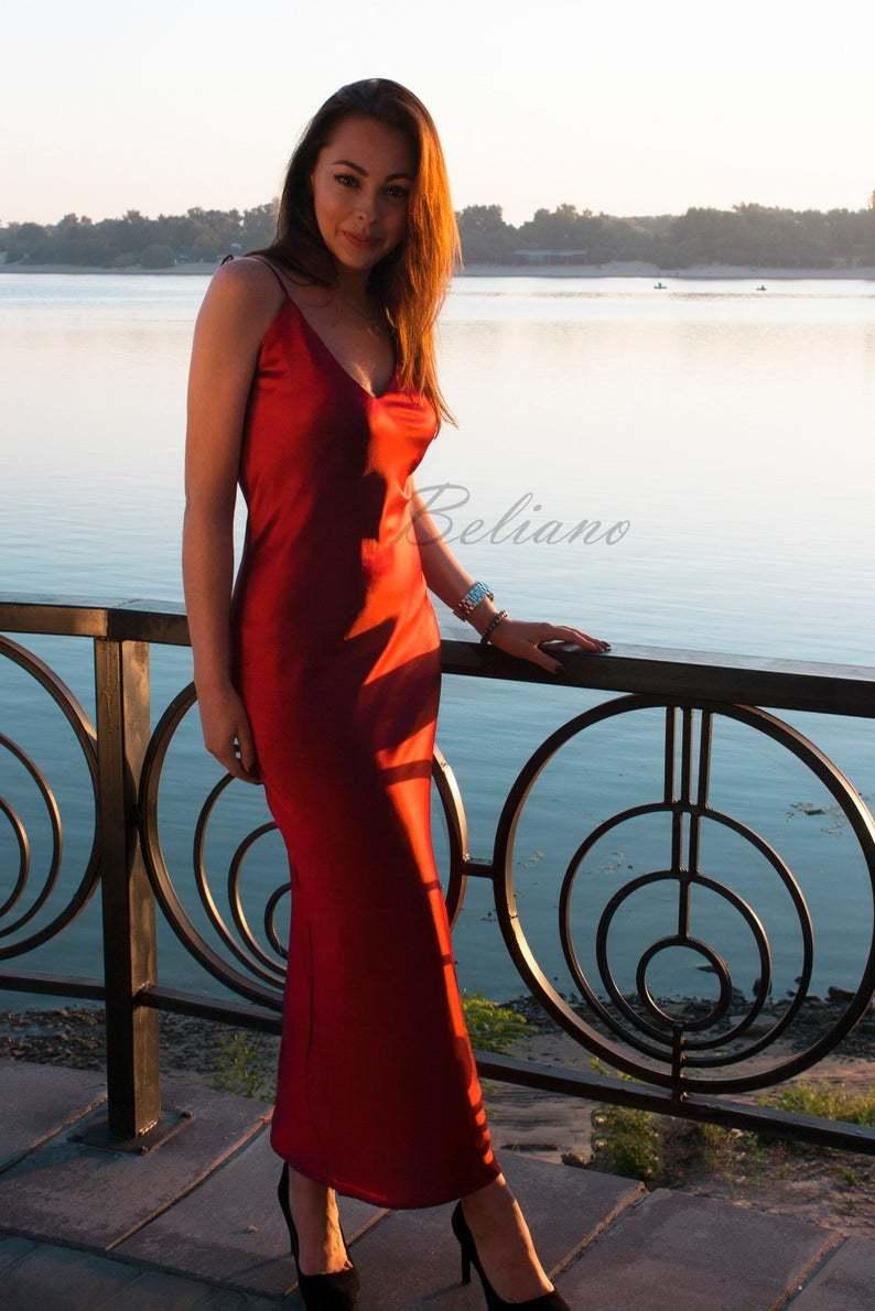 Красное миди макси платье из натурального шелка