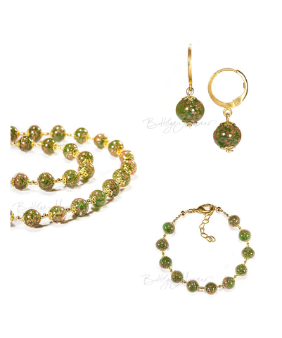 ожерелье, браслет, серьги зеленого цвета из муранского стекла