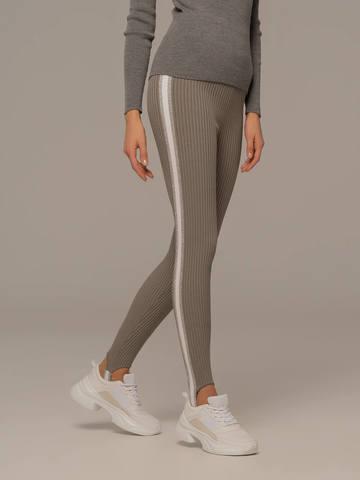 Женские брюки светло-серого цвета с контрастной полосой - фото 4