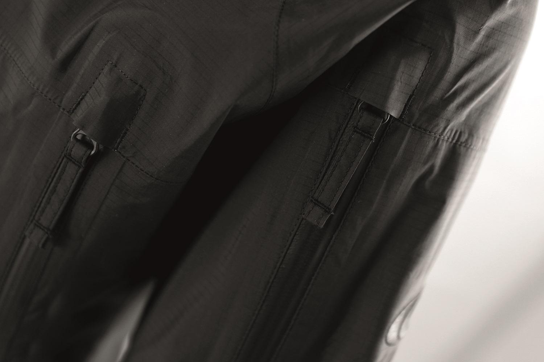 Черный (Black)