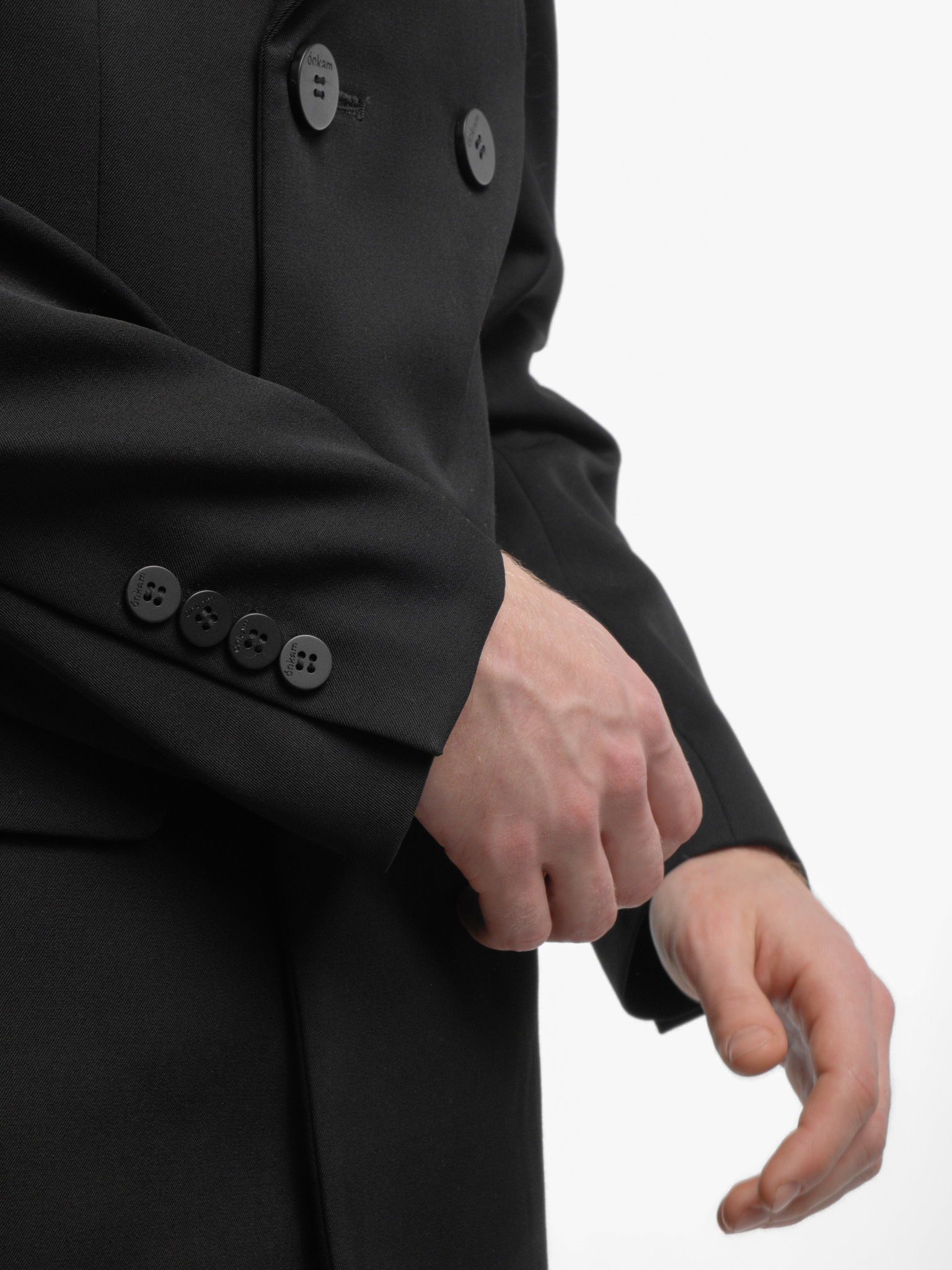 Пиджак двубортный черный