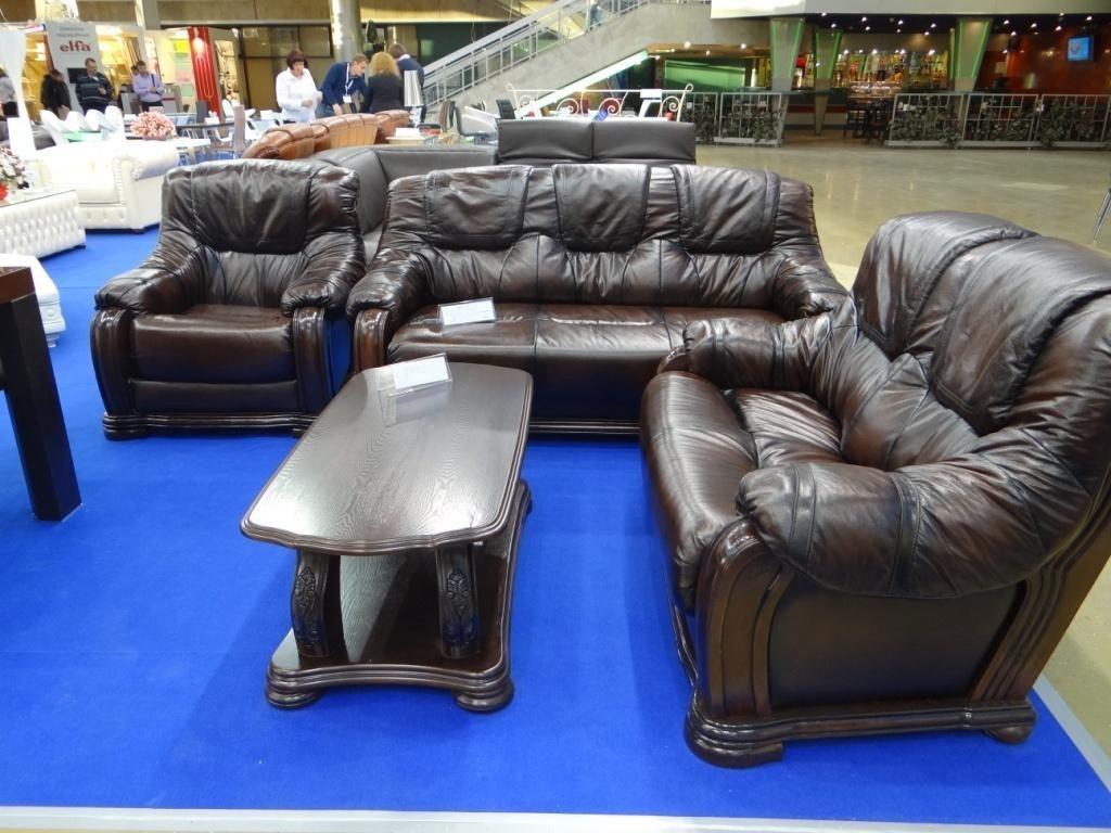 Стол журнальный Alexis орех большой и комплект мягкой мебели Castello