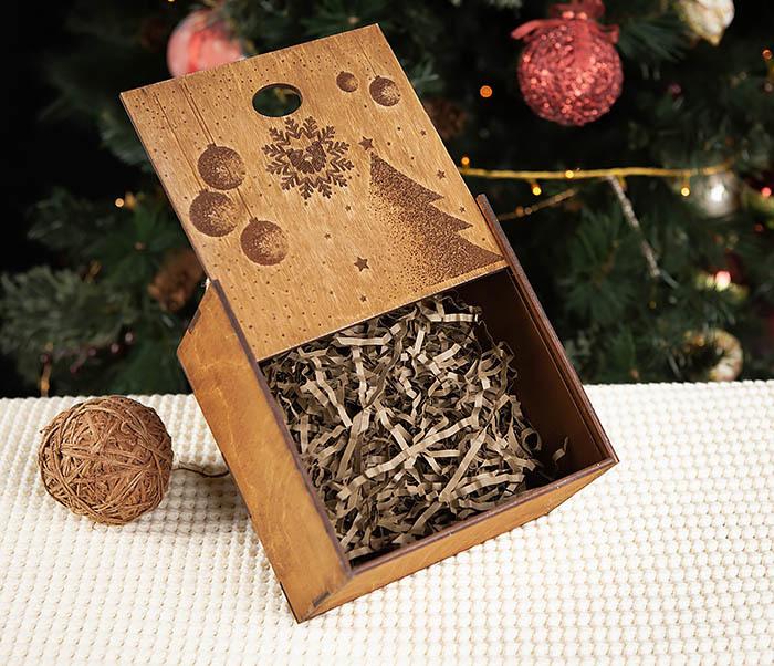 BOX201-2 Новогодняя деревянная коробка с ручками (17*17*10 см) фото 07