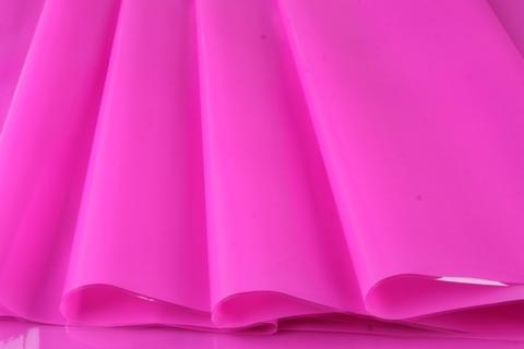 Пленка цветная лак 70 см х 7,6 м. Цвет: фуксия