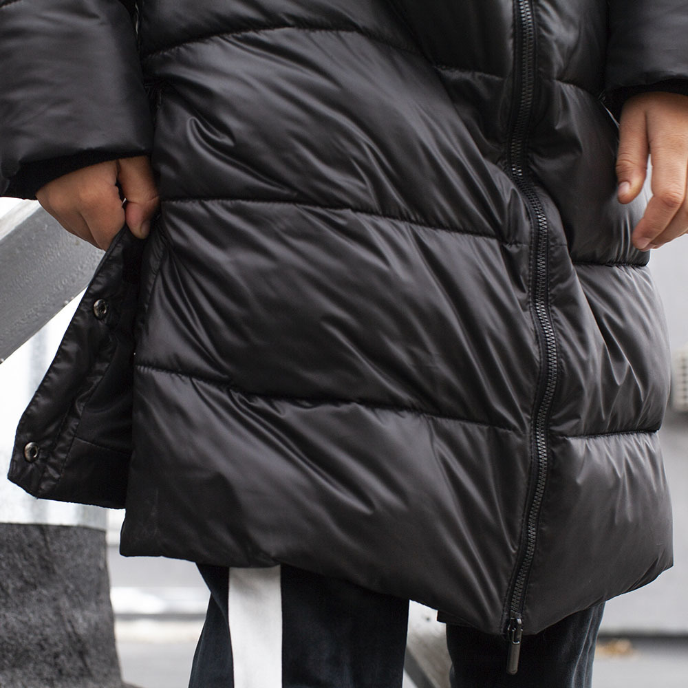 Черное зимнее пальто унисекс