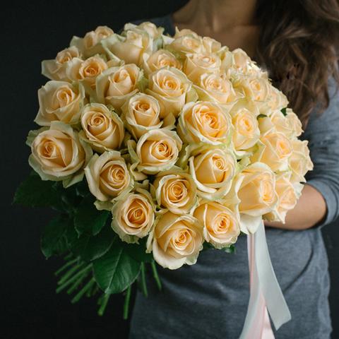 Букет 35 персиковых роз Peach Avalanche