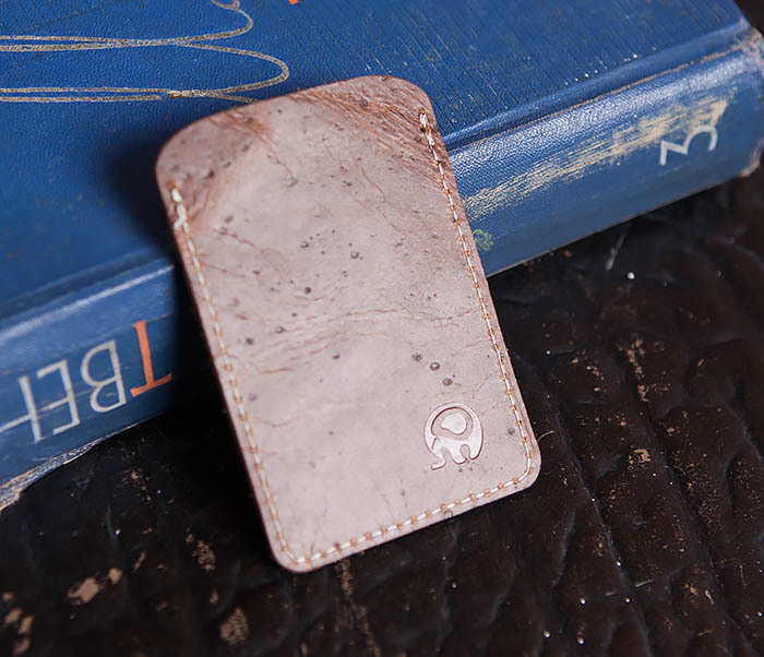 WL248-2 Кожаный коричневый чехол кардхолдер для карточки, абонемента, пропуска фото 02