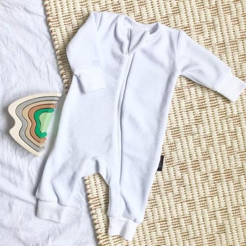 Велюровый комбинезон с открытой ножкой Mjölk Sleep and Play White