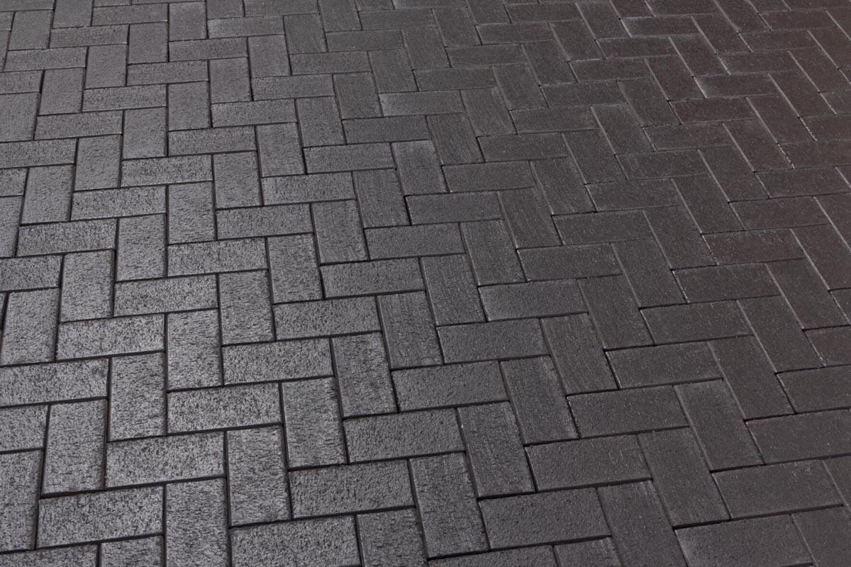 Feldhaus Klinker - Р609SKF, Umbra ferrum, антрацитовый с фиолетовым нагаром, с оттенками, 200х100х40 - Клинкерная тротуарная брусчатка