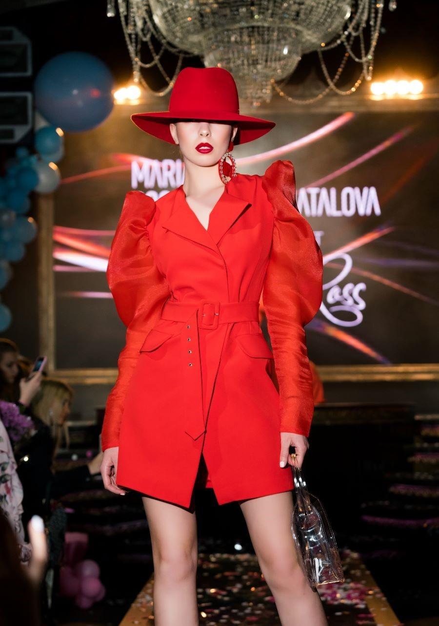 Шляпа красная