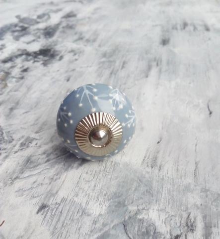 Ручка мебельная керамическая   - темно-серая с белым объемным узором, арт. 00001017
