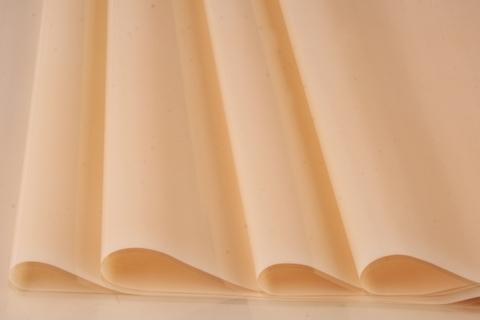Пленка цветная лак 70 см х 7,6 м. Цвет: кремовый