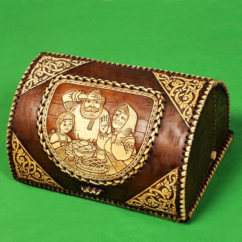 Хлебница из бересты с Дедом, Бабкой и Внучкой три