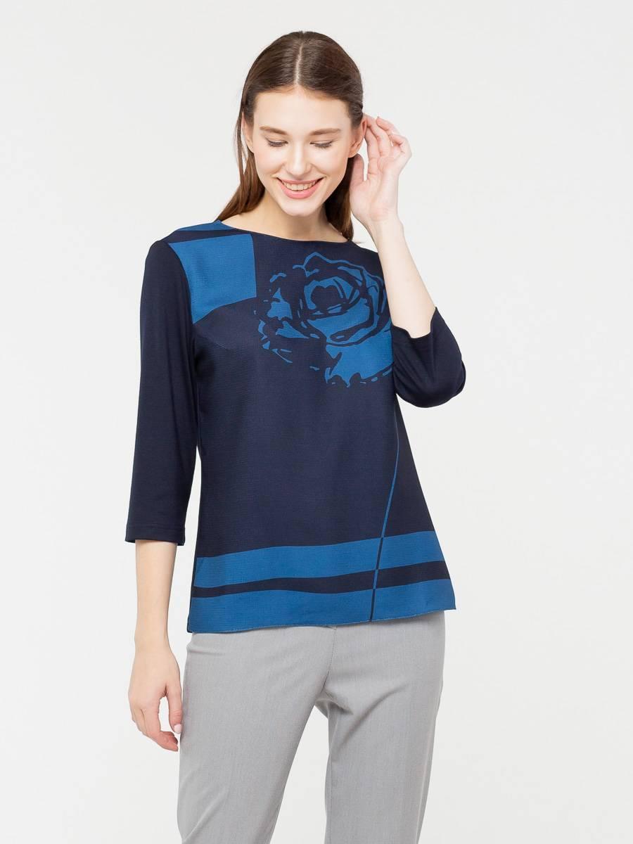 Блуза Г577-378 - Блуза прямого силуэта со спущенным плечом отлично садится на любой тип фигуры и выгодно подчеркивает линию плеча. Непринужденный принт добавляет интересную деталь в образ и не перегружает его. Длина до бедра позволяет носить блузу как заправленной, так и навыпуск. Модель выполнена из качественной итальянской ткани.