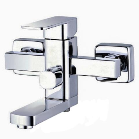 Смеситель для ванной однорычажный Zegor LEB-3-A123 с коротким поворотным изливом