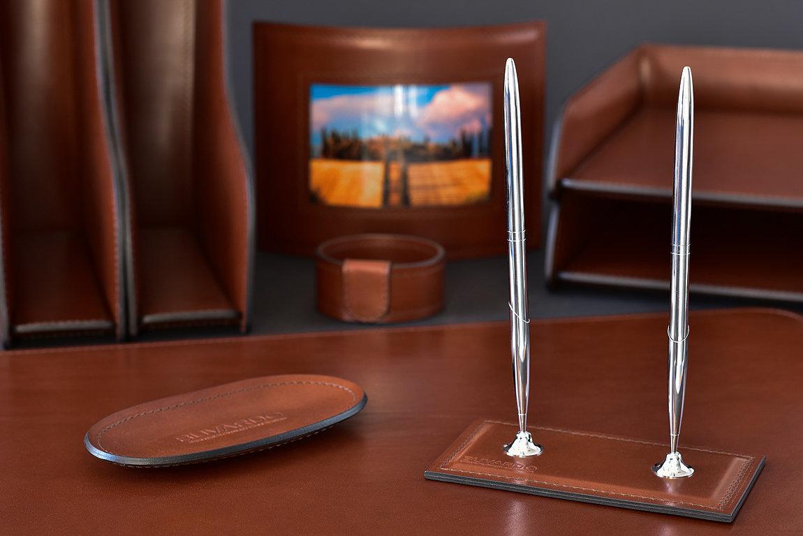 Подставка для двух ручек BUVARDO LUX из кожи Full Grain Toscana Tan
