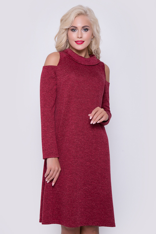 Одна из любимых моделей этого сезона. Невероятно женственное и в тоже время безумно удобное платье.Длина изделия -98см все размеры.