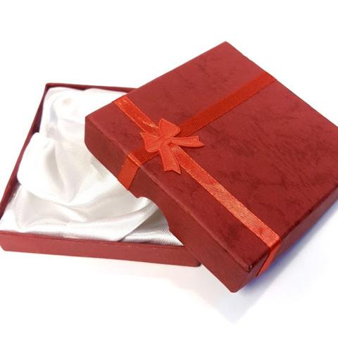 Подарочная коробка для браслета бордовая