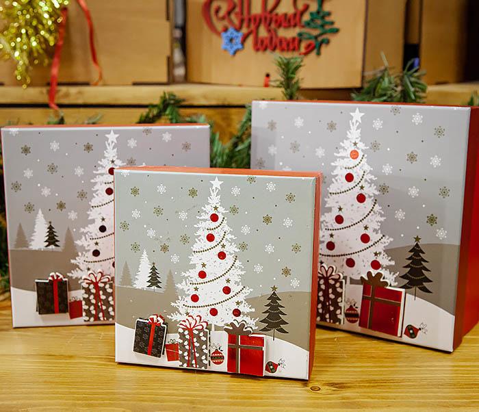 BOX262-2 Красочная коробка для подарков с наряженной елкой (18*18*8 см) фото 08