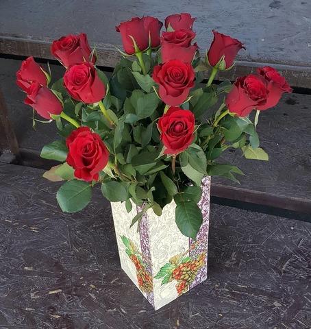 Ваза деревянная с розами 5